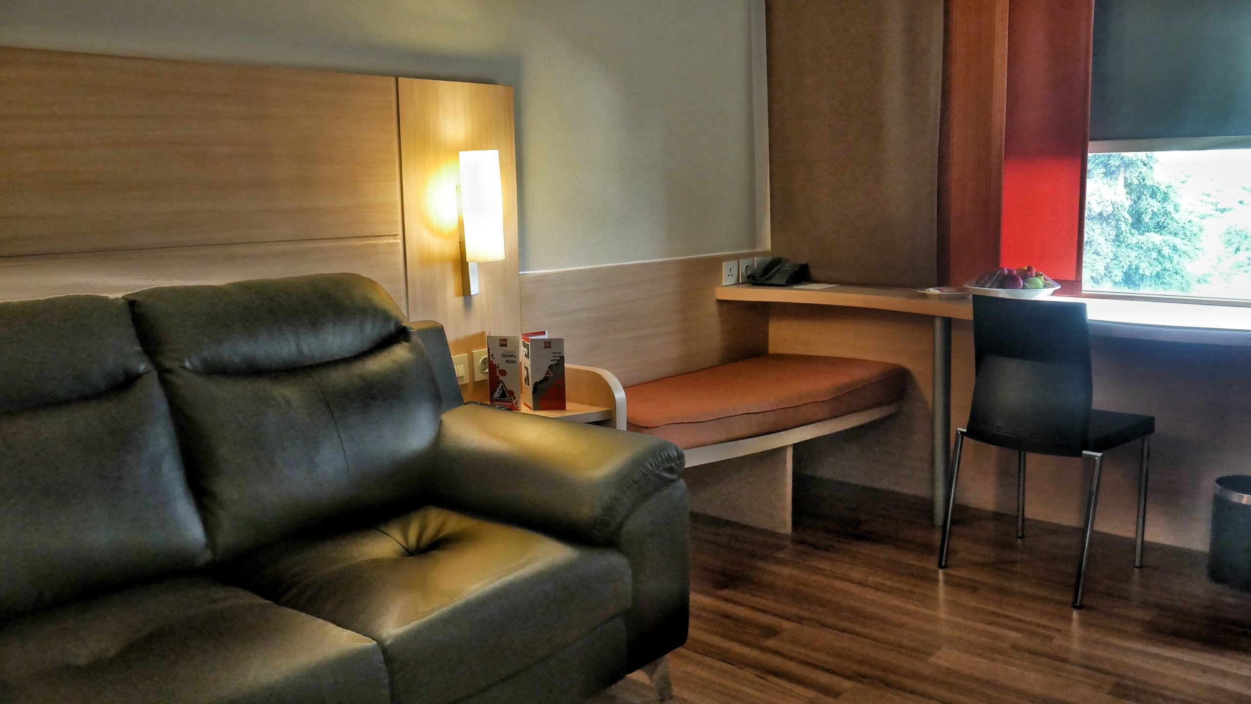 Room - Business Suite-2